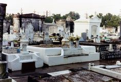Color photos New Orleans cemeteries (pre-Katrina)