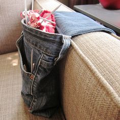 Denim Project Bag 25 Recycled Denim Purses and Bags Tutorials Made From Jeans Diy Jeans, Recycle Jeans, Jean Crafts, Denim Crafts, Jean Diy, Sewing Crafts, Sewing Projects, Sewing Ideas, Denim Ideas