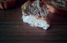 360gr albumi - 90gr proteine alla vaniglia - 90gr latte in polvere - dolcificante stevia qb - cremor tartaro - 1/2 bustina lievito - aroma mandorla (io non lo avevo e non l'ho messo). Montare in una terrina grande in vetro o ceramica gli albumi a neve fermissima con il cremor tartaro e parte della stevia. Unire, mescolando dal basso verso l'alto, con tutti gli altri ingredienti. Mettere nello stampo per angel cake ed infornare a 150° per 30/40 minuti. Togliere dal forno e fa...