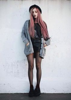 // perfect look // soft grunge style // Hipster Outfits, Edgy Outfits, Mode Outfits, Grunge Outfits, Girl Outfits, Hipster Grunge, Style Grunge, Grunge Look, Grunge Girl