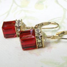 Attractive red garnet Swarovski crystal cube necklace and earrings jewelry set makes for a great gift for your bridal party. A sophisticated blood red