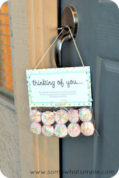"""The Comfort of a Cupcake"" a thoughtful way to deliver some mini cupcakes to a friend.  {somewhatsimple.com}"