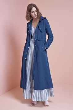 See the complete Jill Stuart Resort 2017 collection.