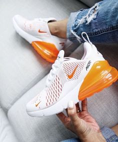 35 Best Nike Sneakers Of 2019 that have to be in your wardrobe this season. AIR MAX Nike Air Max 270 and Air Vapormax Plus Cute Sneakers, Shoes Sneakers, Green Sneakers, Sneaker Boots, Shoes Men, Men's Shoes, Tenis Nike Casual, Souliers Nike, Sneaker Women