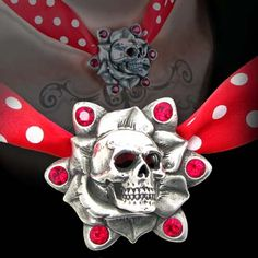 SkullRose Pendant Necklace [ULFP10] - $49.00 : Black Orchid Couture, Gothic, Punk, Steampunk, Rockabilly Clothing and Fashion