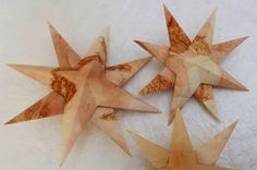 Sterne aus Leaf-Monoprint-Papier