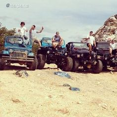 "Living Jeep  by @roarpants ""#jeepbeef"" #Padgram"