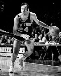 Bill Bradley jugando con los Knicks en 1970