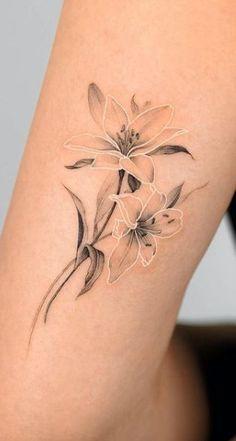 Dainty Tattoos, Mini Tattoos, Cute Tattoos, Body Art Tattoos, Small Tattoos, Sleeve Tattoos, Small Lily Tattoo, Tattoos With White Ink, White Ink Tattoos