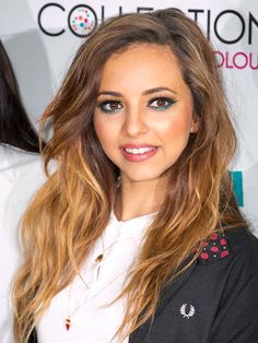 This vacation season experiment along with your make-up and appear like these Hollywood celebrities with simply few easy methods.Jade Thirlwall's Teal Eye LinerTry to not confine your self to darkish liner this season! Makeup Tips, Beauty Makeup, Hair Makeup, Hair Beauty, Makeup Ideas, Teal Eyes, Girl With Green Eyes, Holiday Makeup Looks, Inspirational Celebrities