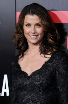 """Bridget Moynahan Photos - Actress Bridget Moynahan arrives at the premiere of Columbia Pictures' """"Battle: Los Angeles"""" at the Regency Village Theater on March 8, 2011 in Westwood, California. - Premiere Of Columbia Pictures' """"Battle: Los Angeles"""" - Arrivals"""