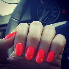 gorgeous oval nails with perfect summer nail polish <3