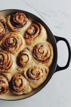 Summer weekends call for cinnamon rolls — and our new Licorice hue, too. 📸 by Instagram user @sammcusano Braiser Recipes, Enameled Cast Iron Cookware, Fresh Vegetables, Cinnamon Rolls, Hue, Artisan, Cooking Recipes, Le Creuset, Dishes