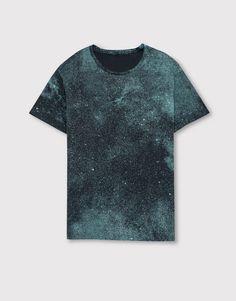Textured t-shirt - T-shirts - Clothing - Man - PULL&BEAR United Kingdom