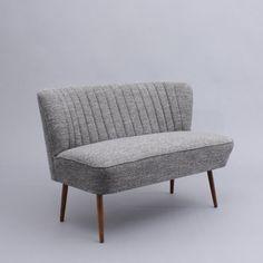 Velvet-Point - sitzmöbel & tische Cocktailsofa im Stil der 50er Jahre, grau (Nr. 2684) - Karlsruhe ähnliche tolle Projekte und Ideen wie im Bild vorgestellt findest du auch in unserem Magazin . Wir freuen uns auf deinen Besuch. Liebe Grüße