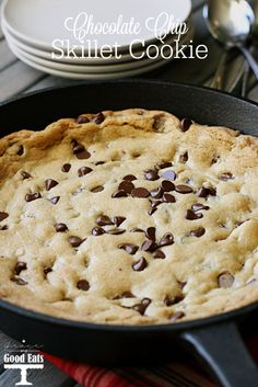 Chocolate Chip Skillet Cookie recipe- one bowl, no stand mixer needed! Does it get any better than a giant, warm chocolate chip cookie straight from the oven?