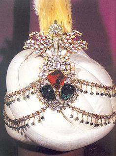 ottoman empirejewelry Ottoman Empire, Palace Istanbul, Topkapı Palaces, Topkapi Palaces, Turkey Türkei Türkiye, Crest Pin, Historical Jewels