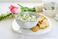Yogurt Herb Dip (any non-dairy yogurt will do! Punch Recipes, Dip Recipes, Veggie Recipes, Real Food Recipes, Snack Recipes, Yummy Food, Delicious Meals, Veggie Food, Herb Dip Recipe