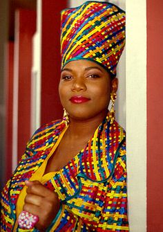 Queen Latifah a strong black woman of music.also a wonderful actress she's good for all young women to push forward and be successful in anything that you do Hip Hop And R&b, Love N Hip Hop, 90s Hip Hop, Hip Hop Rap, Afro, History Of Hip Hop, Black History, European History, Queen Latifah