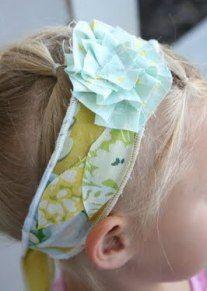 Tutorial: Scrappy fabric flower headband · Sewing | CraftGossip.com