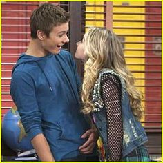 Sabrina Carpenter & Peyton Meyer Continue to Make Maya & Lucas Our Favorite Friends on 'Girl Meets World'