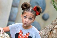 Minnie-Maus-Knoten | 21 schnelle Kinder-Frisuren Für sehr beschäftigte Eltern