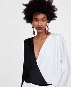 New clothes and accessories updated weekly at ZARA online. Stay in style with seasonal trends. Design Research, Zara United States, Party Dresses For Women, Zara Dresses, Sequin Dress, New Dress, Sequins, Elegant, My Style
