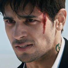 ek villain Siddharth Malothra, Ek Villain, Framed Wallpaper, Favorite Movie Quotes, Star Cast, Star Pictures, Beautiful Girl Indian, Men Style Tips, Cute Relationships