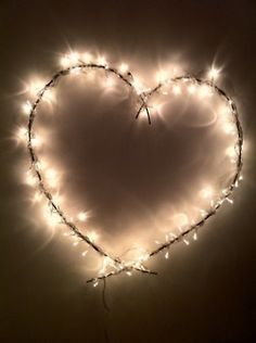 lighted up barbed wire shapes!great re-purposed idea! I Love Heart, Happy Heart, Heart Kids, My Heart, Barb Wire Crafts, Barbed Wire Art, Heart Art, Be My Valentine, Valentine Ideas