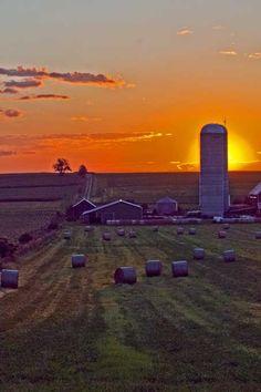 Sunrise over Uxbridge farm