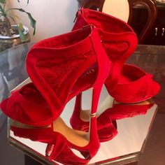 Liliana❤️Red Lace❤️Liliana Vamp Zip up the back❤️Gorgeous Red Lace Vamp by Liliana❤️worn a couple of hours on carpet❤️5in heel❤️cleaning out my closet❤️🚫trades❤️sz9💋 Liliana Shoes Heels