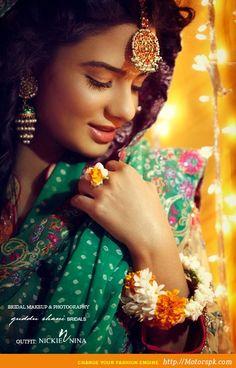 http://www.motorspk.com/latest-pakistani-lawn-collection/party-eid-wear/maysoon-20122013-winter-catalog-nickie-nina-eid-autumn/  Maysoon Dress Designs for Winter 2012-2013 (7)