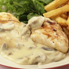 This recipe for chicken breast with mushroom sauce is creamy and delicious, an easy meal.