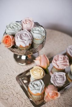 A rose is a rose by any other name, but these look simply stunning: DIY Buttercream Rose Cupcakes! #babyshower #cupcakes #desserttable