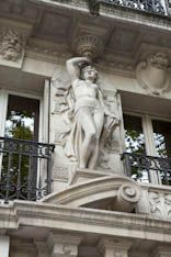Cariatides . Paris