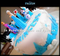 Disney Frozen Cake (Ft. Elsa, Anna and Olaf)