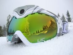 The Liquid Image Apex Series is the newest addition of ski and snowboard goggles with integrated HD camera shooting full 1080p HD and 12MP still photos. Wi-Fi and GPS enabled.