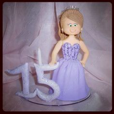 Debutante. #caketoppee by Entre Topos e Bolos, via Flickr  https://www.facebook.com/pages/Entre-Topos-e-Bolos/124896477695433