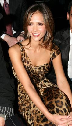 Jessica Alba Leopard Print http://www.chinadaily.com.cn/entertainment/2006-12/19/xin_2312031916401982388056.jpg