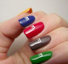 Saw this and I couldn't refuse pinning it :) Nail Art | Diy Nails | Nail Designs | Nail Ideas