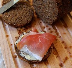 Pumpernickel with ham