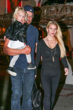 Jessica Simpson --- looking good for a momma of 2!!