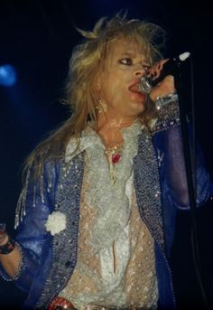 ALICE COOPER with Hanoi Rocks 06.08 2005 Ice Hall TAMPERE, FINLAND After a couple of years break Alice Cooper once again brings his rock?n roll circus back to Finland. He re…
