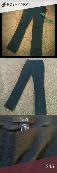 UNIQUE Body Victoria's Secret WOOL STRETCH PANTS 98% Wool 2%Spandex Size 6 Gathered behind legs Fully lined Straight leg Body By Victoria's Secret Pants