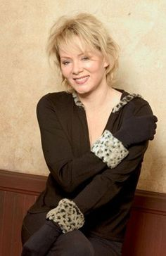 Jean Smart -- one of the best actresses ever! Celebrity Photos, Celebrity Style, Jean Smart, Beauty Over 40, Beautiful People, Beautiful Women, Aged To Perfection, Tall Women, Famous Women