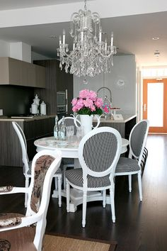 Suzie: The Cross Decor & Design - Fabulous dining room design with glossy white pedestal dining ...