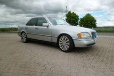 Vom Großvater geschenkt bekommen, hält Christian Broser seinen Mercedes C220 in Ehren. Hatte bereits der Senior den Mercedes der Baureihe W202 seit dem Kauf i