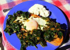 Ispanaklı Yumurta - Spinach And Eggs. A classic Turkish dish.