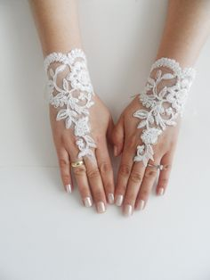 ivory wedding glove bridal gloves  lace gloves by WEDDINGHome