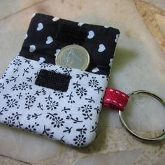 Pochette pour jeton de caddie/porte-clés en tissu noir et blanc